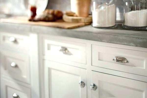 kitchen cabinet knobs and pulls placement drawer pull placement on shaker style drawers kitchen cabinet knobs and pulls placement